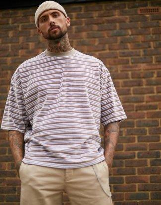 ASOS DESIGN - Übergroßes, gestreiftes T-Shirt aus Velours-Mehrfarbig