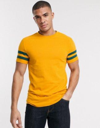 ASOS DESIGN - Enges T-Shirt aus Bio-Materialien in Gelb mit Kontraststreifen am Ärmel