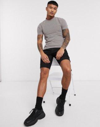 ASOS DESIGN - Enges T-Shirt mit Hahnentrittmuster und mehrlagigem Rollkragen-Braun