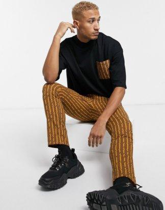 ASOS DESIGN - Oversize-T-Shirt mit bedruckter Kontrasttasche und zweilagigem Stehkragen-Schwarz