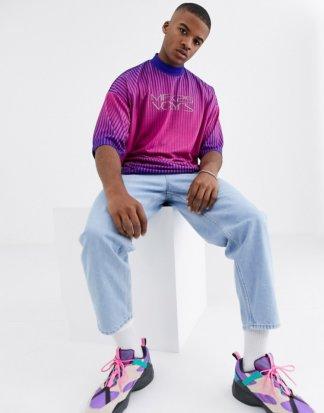 ASOS DESIGN - Oversized-T-Shirt mit Rollkragen und Streifen in Hellrosa-Mehrfarbig