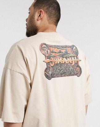 ASOS DESIGN Plus - Jumanji - Übergroßes T-Shirt mit gestepptem Saum-Beige