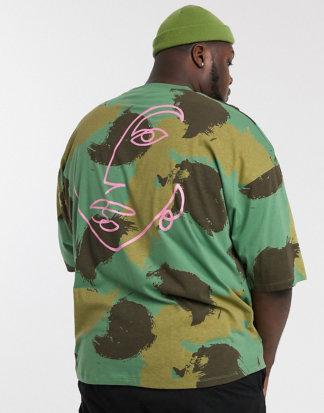 ASOS DESIGN Plus - Oversize-T-Shirt aus Bio-Baumwolle mit Camouflage-Print und aufgedruckter Zeichnung hinten-Grün