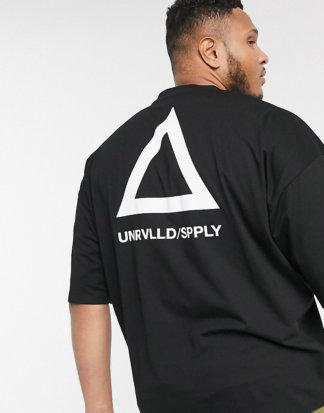 ASOS DESIGN Plus - Oversize-T-Shirt mit Unrivalled Supply-Logo-Schwarz