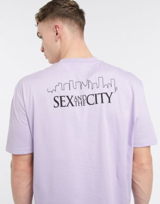 ASOS DESIGN - Sex And The City - Lässiges T-Shirt mit Print am Rücken, in Lila-Violett