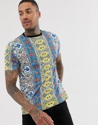 ASOS DESIGN - Weites T-Shirt mit durchgängigem, mehrfarbigem Print