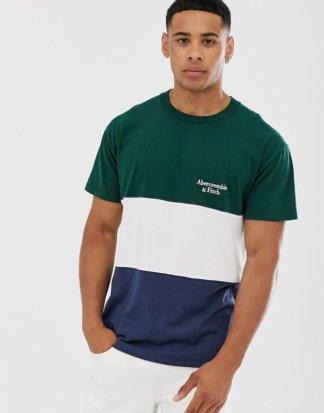 Abercrombie & Fitch - T-Shirt mit kleinem Logo und Farbblockdesign in Grün/Weiß/Marine-Mehrfarbig