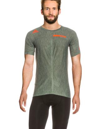 Adidas T-Shirt Agravic, Rundhals, gerader Schnitt grün