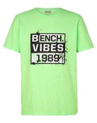 Bench. T-Shirt mit tollem Druck vorn