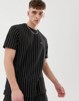 Criminal Damage - Übergroßes, schwarzes T-Shirt mit Nadelstreifen - Kombiteil