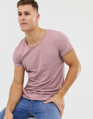 Jack & Jones - Essentials - Lang geschnittenes T-Shirt mit U-Ausschnitt in Flieder-Rosa