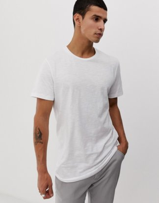 Jack & Jones - Originals - Lang geschnittenes T-Shirt mit abgerundetem Saum in Weiß
