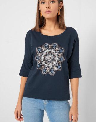 Shirt im Ethno-Stil