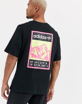 adidas Originals - Adiplore - T-Shirt mit Print hinten in Schwarz