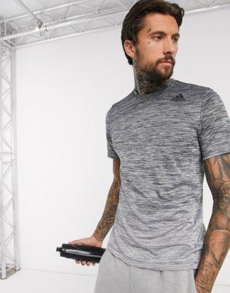 adidas - Schwarzes Trainings-T-Shirt mit Farbverlauf